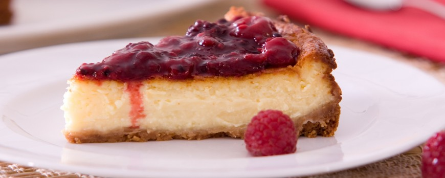 Cheesecake with red wine, a delicious dessert without an oven